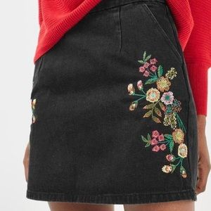 Topshop Embroidered Flowers Black Denim High Waisted Mini Skirt with Two Pockets